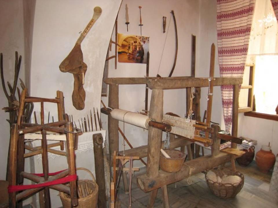Μαθήματα παραδοσιακών λαϊκών τεχνών